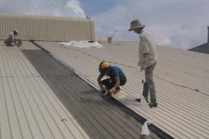 thi công chống dột mái tôn
