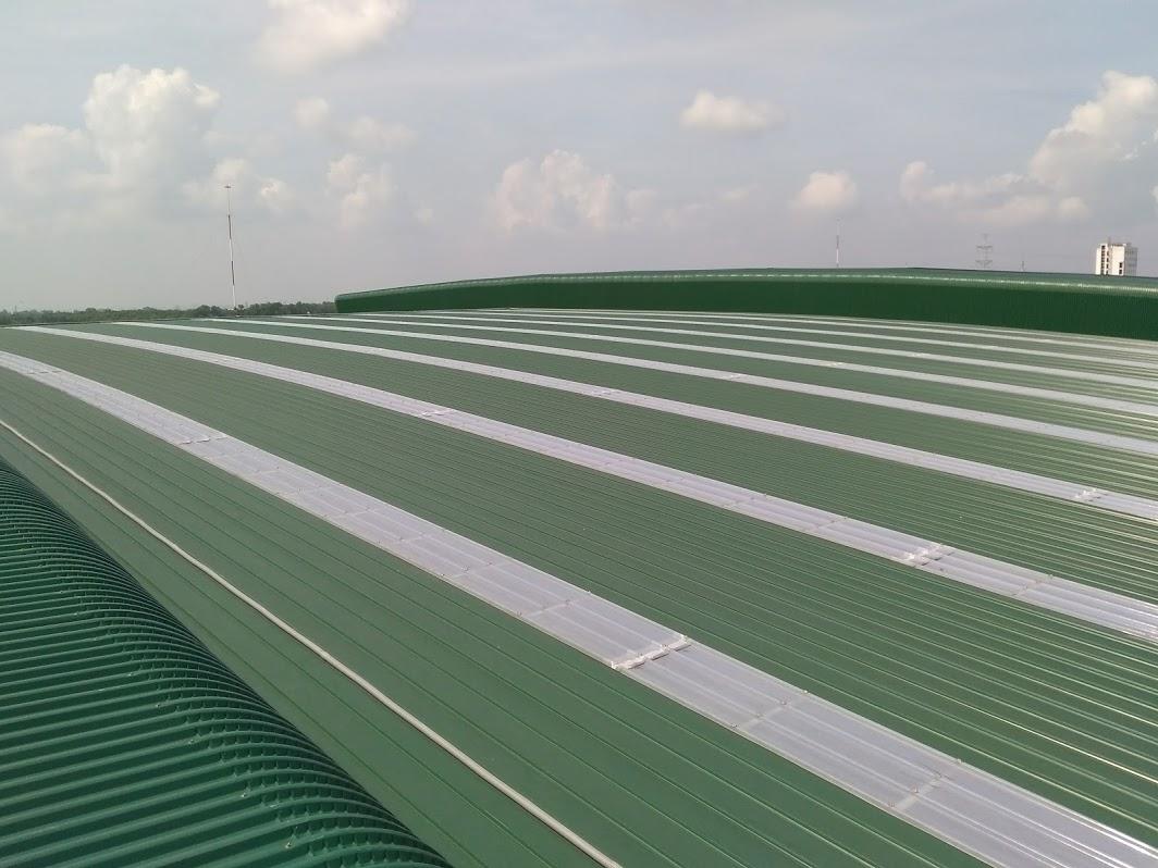 lắp tấm chống nóng cho mái tôn TPHCM