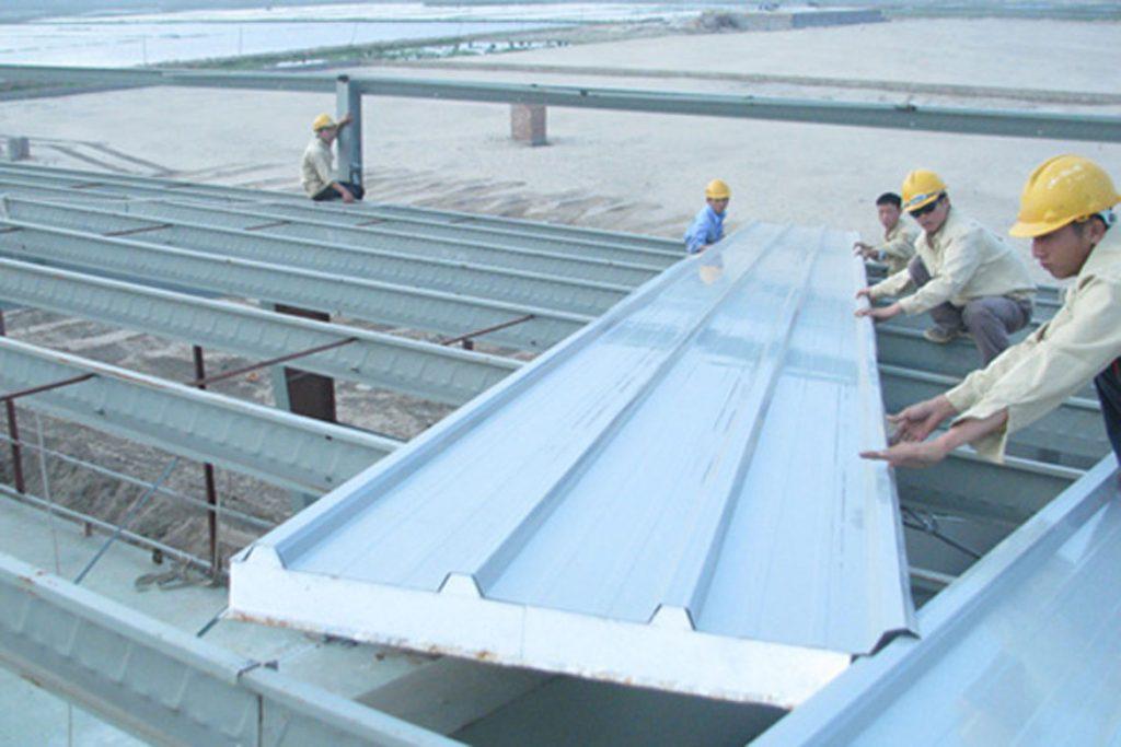 Lợp mái tôn quận 1 chống dột mái tôn báo giá mái tôn
