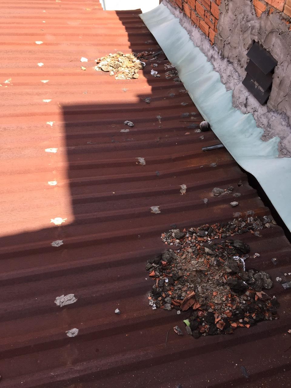 làm mái tôn quận Tân Bình chống dột mái tôn hồi phục mái tôn hỏng