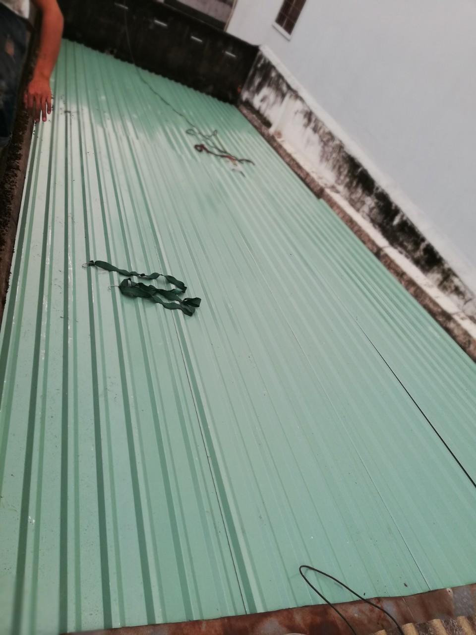 lợp mái tôn quận Phú Nhuận làm mái tôn giá rẻ tphcm chống dột mái tôn
