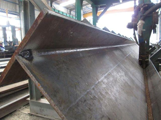 sản xuất cấu kiện kết cấu thép tại nhà xưởng