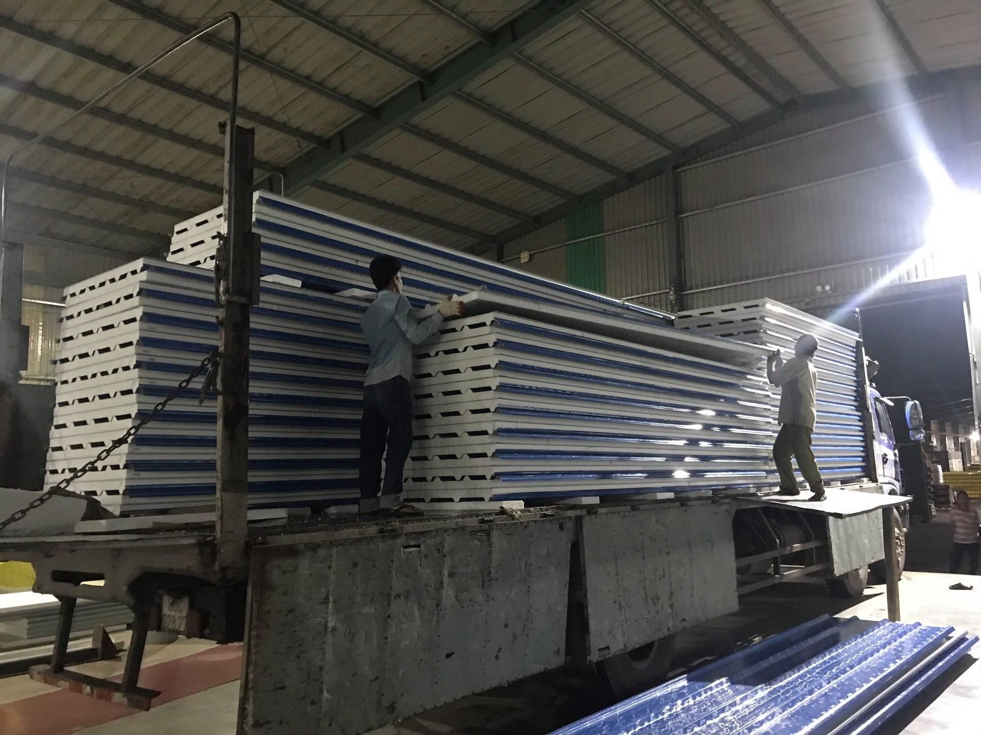 lợp mái tôn nhà xưởng - tôn seamlock - panel vách - panel mái giá rẻ