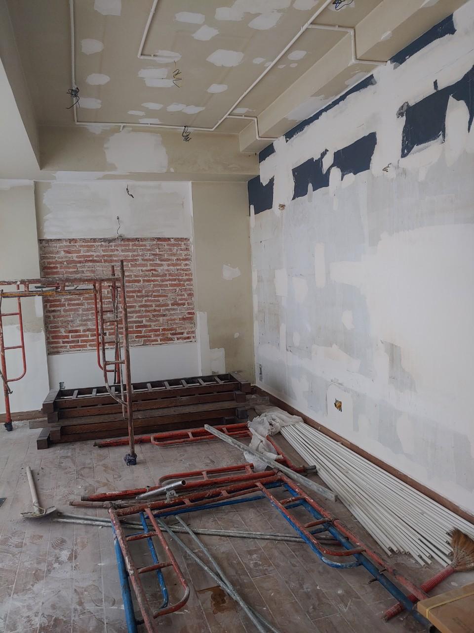 dịch vụ sơn nhà giá rẻ - thợ sơn nước tại tphcm - 0368115251 - Mái Nhà Đẹp
