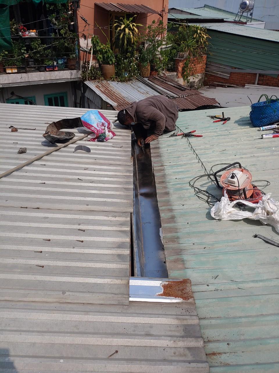 làm mái tôn tại quận Tân Phú