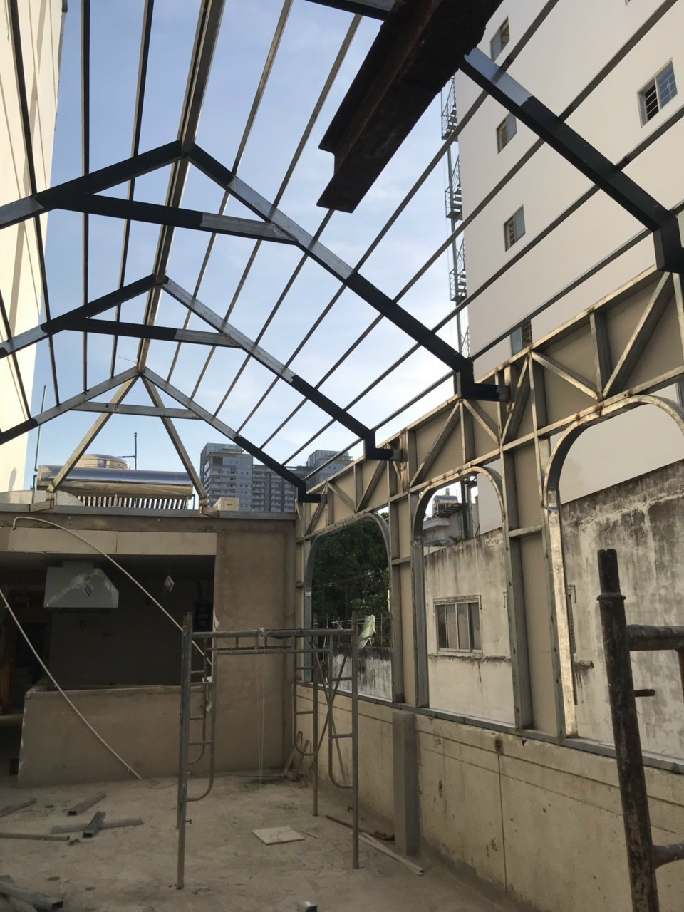 thợ sửa mái tôn tại quận Bình Thạnh - Dịch vụ sửa chữa mái tôn tại tphcm - 036.811.5251