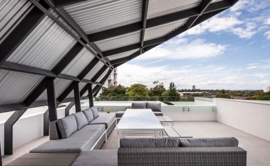 giá làm mái tôn sân thượng - Mái Nhà Đẹp - 0368115251