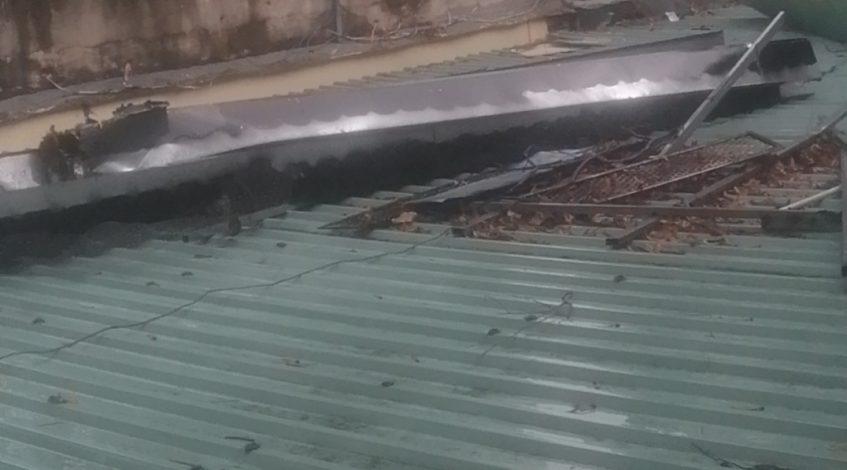 chống dột mái tôn tại quận 3 giá rẻ - Mái Nhà Đẹp - 0368115251